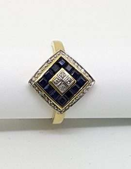 9ct gold ring with black sapphire gems - contemporary square design