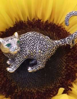 Sterling Silver and marcasite brooch - Cat standing