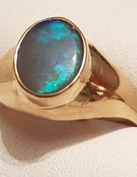 9ct Gold Oval Opal Ring
