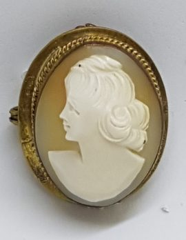 Gold Lined Oval Shell Lady Cameo Brooch