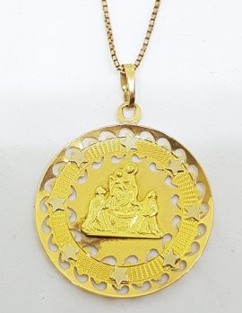 18ct Yellow Gold Large Ornate Religious Medallion Pendant on Gold Chain