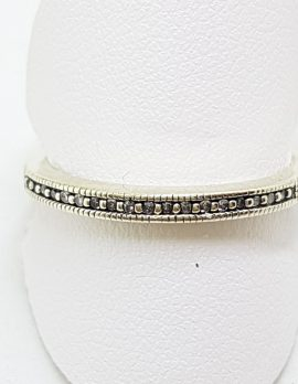 9ct White Gold Diamond Delicate Wedding/Eternity Band Ring