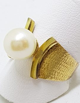 18ct Yellow Gold Wide Pearl Ring