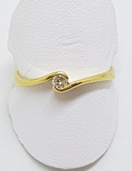 18ct Yellow Gold Solitaire Diamond Twist Ring