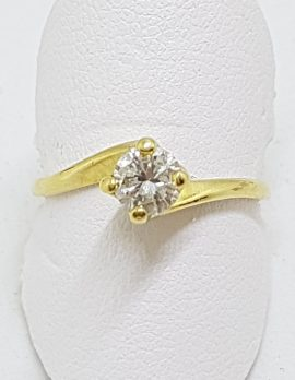 18ct Yellow Gold Round Claw Set Diamond Solitaire Ring