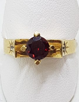 9ct Yellow Gold Garnet & Diamond Claw Set Ring