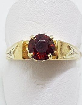 9ct Yellow Gold Round Claw Set Garnet Ring