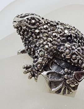 Sterling Silver Marcasite Large Frog Ring
