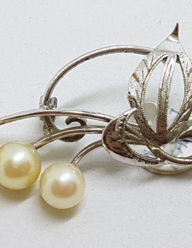 Sterling Silver Pearl Leaf Motif Brooch - Vintage