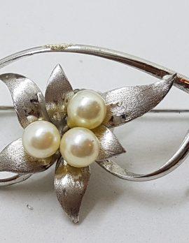 Sterling Silver Pearl Flower Motif Brooch - Vintage