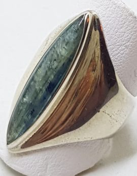 Sterling Silver Elongated Labradorite in Wide Ring