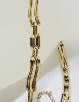 9ct Yellow Gold Curved 2 x 1 Row Gate Link Bracelet with Filigree Heart Shape Padlock Clasp
