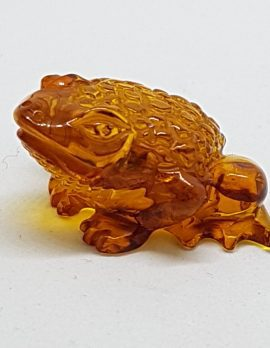 Hand Carved Natural Baltic Amber Small Frog / Toad Figurine / Statue