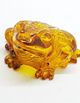 Hand Carved Natural Baltic Amber Small Frog / Toad Figurine / Statue 1