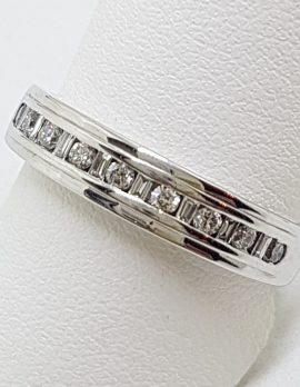 18ct White Gold Baguette & Round Diamond Channel Set Eternity / Wedding Band Ring