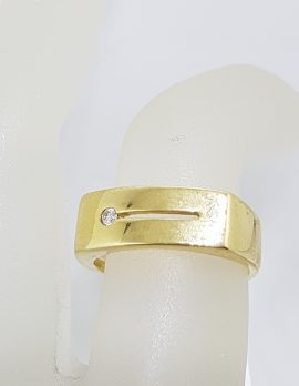 9ct Yellow Gold Wide Diamond Gents Ring