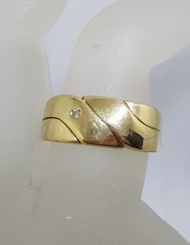 9ct Yellow Gold Diamond Wide Gents Ring
