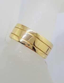 18ct Yellow Gold Line Patterned Wide Wedding Band Ring - Gents / Ladies