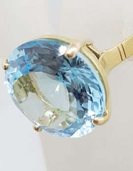 9ct Yellow Gold Large Light Blue Topaz Round Cocktail Ring