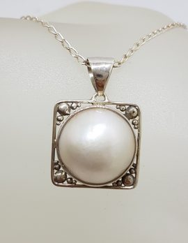 Sterling Silver Round Mabe Pearl Ornate Filigree Square Pendant on Silver Chain