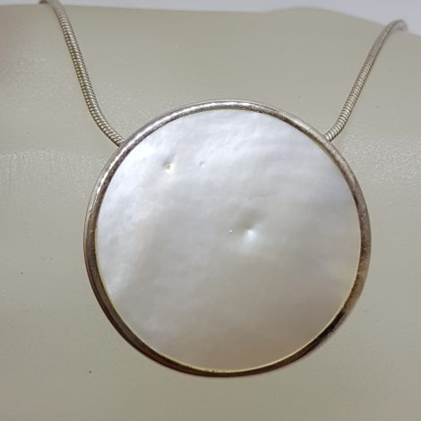 Sterling Silver Round Mother of Pearl Pendant on Silver Chain