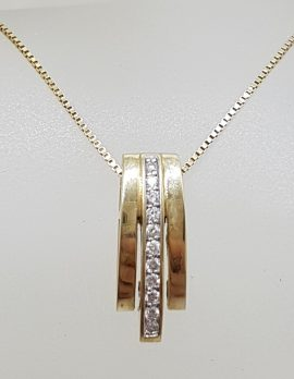 9ct Yellow Gold Diamond Lines Pendant on Gold Chain