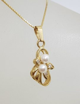 9ct Yellow Gold Pearl & Diamond Cluster Pendant on Gold Chain