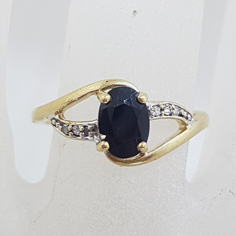 9ct Yellow Gold Oval Natural Sapphire with Diamond Ring