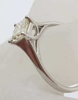 18ct White Gold Princess Cut Square Diamond Solitaire Engagement Ring - Claw Set