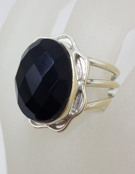 Sterling Silver Oval Onyx with Ornate Rim Ring - Faceted