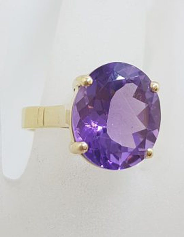 9ct Yellow Gold Oval Claw Set Amethyst Ring