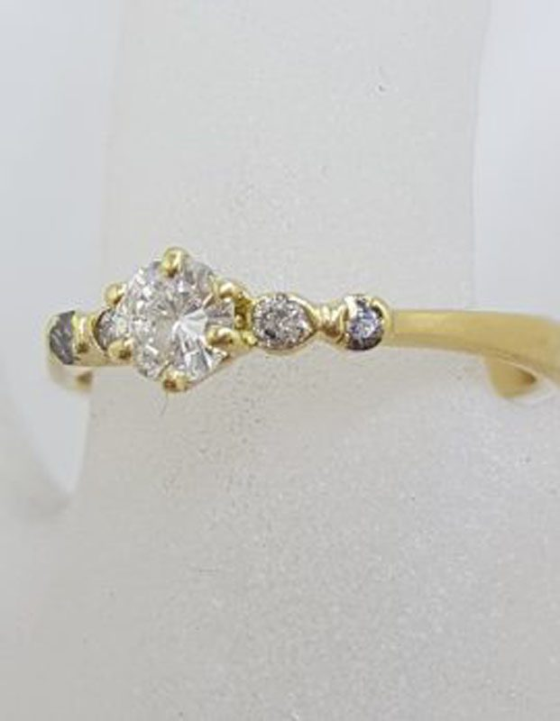 18ct Yellow Gold 5 Diamond Claw Set Engagement / Dress Ring